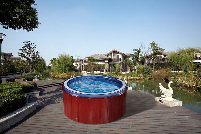 水疗游泳池