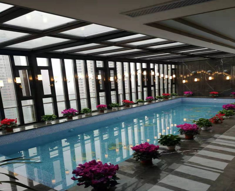 成都天耀屋顶恒温游泳池