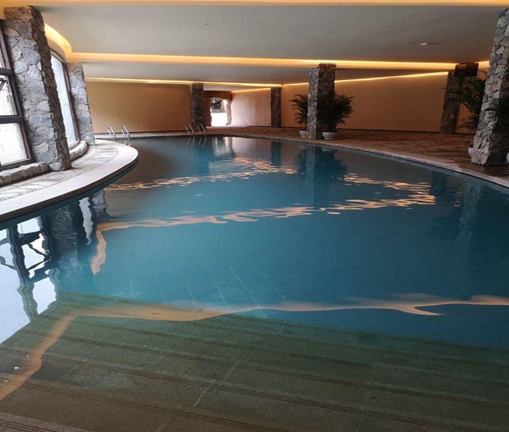 西藏昌都温泉泳池